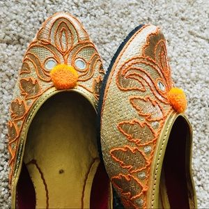 Shoes - New 2018 ! Golden Outlined Jutti